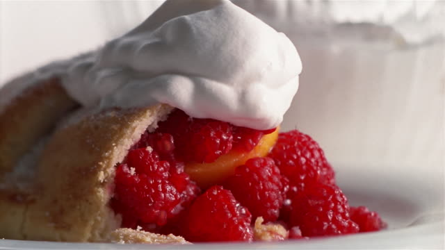 ecu baked cake with fruits and whipped cream - tart dessert stock videos & royalty-free footage