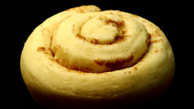 baking cinnamon rolls - baking stock videos & royalty-free footage