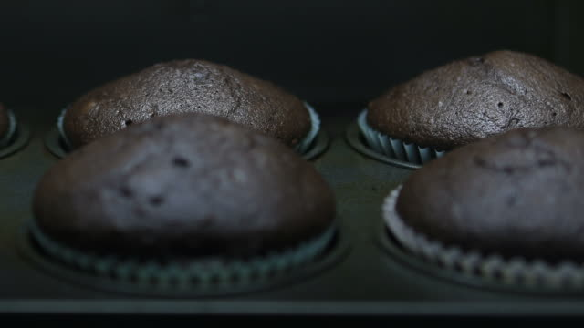 baking muffins - cream cake stock videos & royalty-free footage