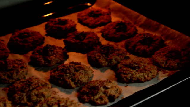 baking oatmeal cookies