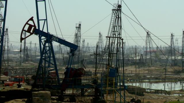 baku oil - azerbaigian video stock e b–roll