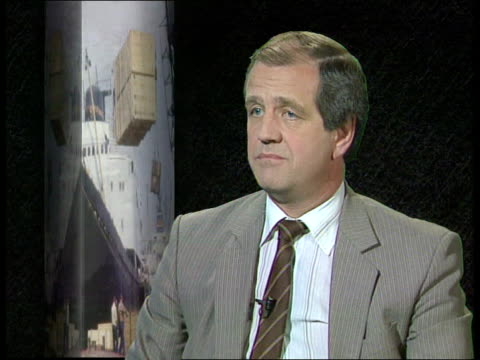 balance of payments deficit cms nick douch intvwd sof the pound recovered slightly today seq dealers on trading room - recession stock videos & royalty-free footage