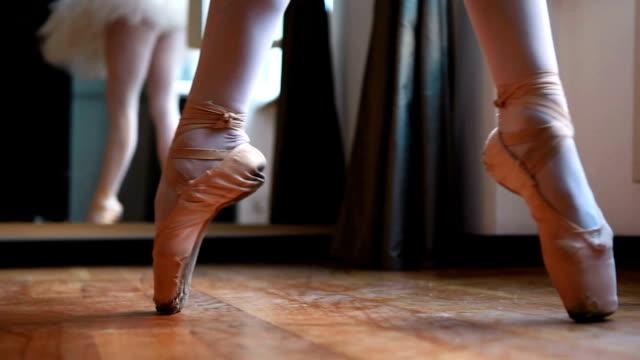 vidéos et rushes de balerina de danse - danseur de ballet