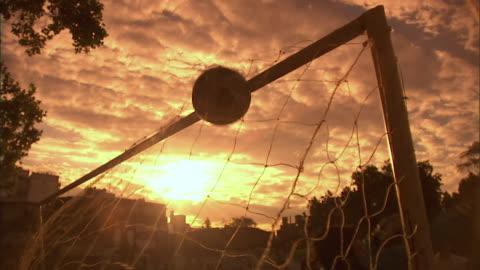 vídeos y material grabado en eventos de stock de ms, ball falling into goal post net, buenos aires, argentina - portería artículos deportivos