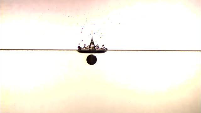 vídeos de stock, filmes e b-roll de a ball splashes into water in slow motion then bounces back up again.. - tensão de superfície