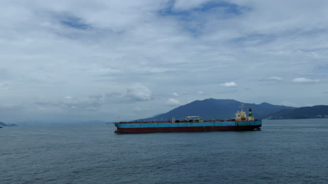 vidéos et rushes de citerne de ballast - être ancré