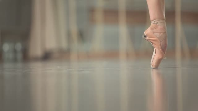 ballerina dancing - human leg stock videos & royalty-free footage