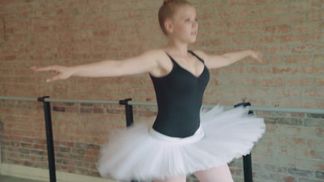 ballerina jumps - grand jeté - elastane video stock e b–roll