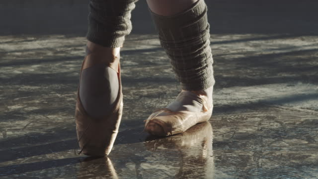 ballerina spinning and balancing herself on tiptoe - ballet dancing stock videos & royalty-free footage