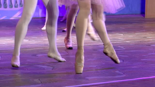 vídeos y material grabado en eventos de stock de ballet danza en pointe - de puntas