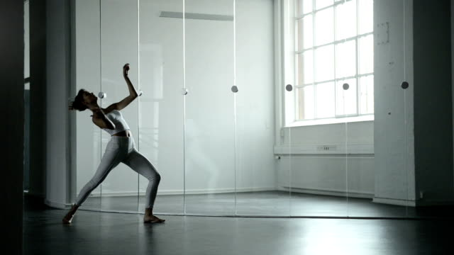 ballet dancer performing - modern dancing stock videos & royalty-free footage