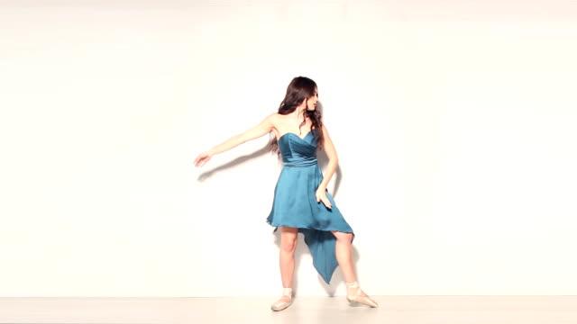 バレエダンサー - レオタード点の映像素材/bロール