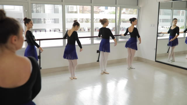 ballet dancers exercising studio - small stock videos & royalty-free footage