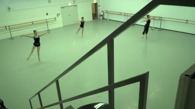 ballet dancers rehearsing whilst maintaining social distancing due to coronavirus - dance studio stock videos & royalty-free footage