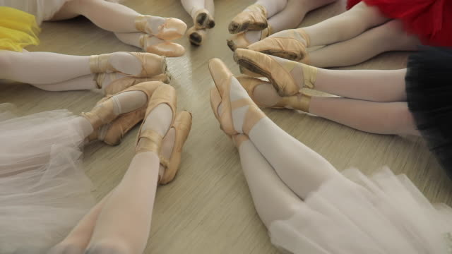 ballet dancers sitting in circle - small stock videos & royalty-free footage