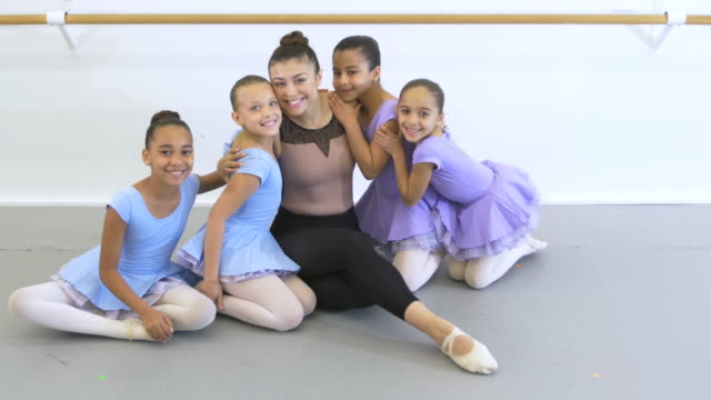 ballet instructor, girls in dance studio - 8 9 years stock videos & royalty-free footage