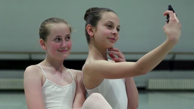 バレエ学校 - バレエ点の映像素材/bロール