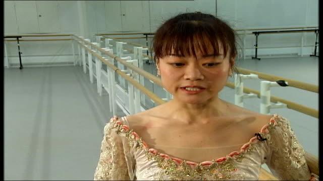 'the nutcracker' at the royal opera house miyako yoshida interview sot describes the sugar plum fairy's solo yoshida dancing in rehearsal studio - fairy stock videos & royalty-free footage