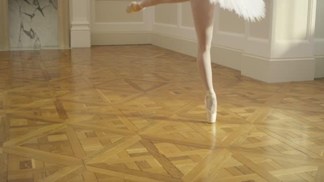 vídeos y material grabado en eventos de stock de ballet - parte inferior