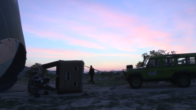 balloon prep, cappadocia, turkey - cappadocia stock videos and b-roll footage