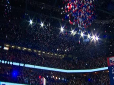 balloons released from roof at the end of the republican convention - republikanischer parteitag stock-videos und b-roll-filmmaterial