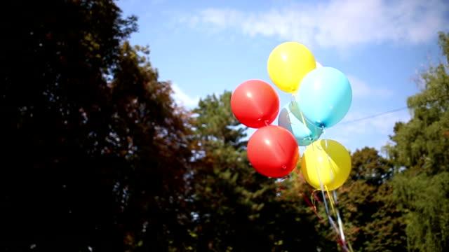 vídeos y material grabado en eventos de stock de baloons aire libre - globo de helio