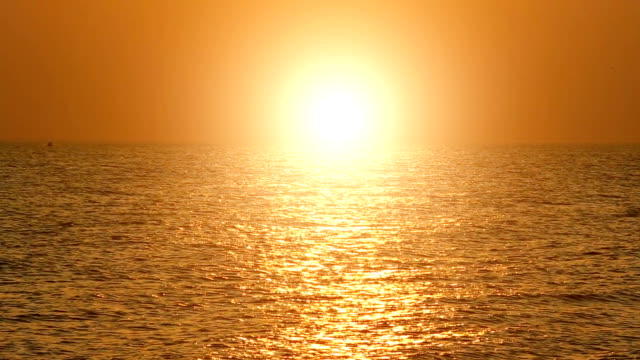baltic sea at sunset - sonnenuntergang stock videos & royalty-free footage