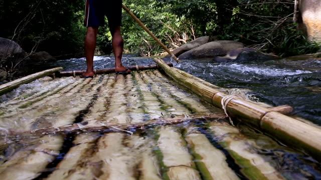 HD:  Bambou Rafting dans la jungle