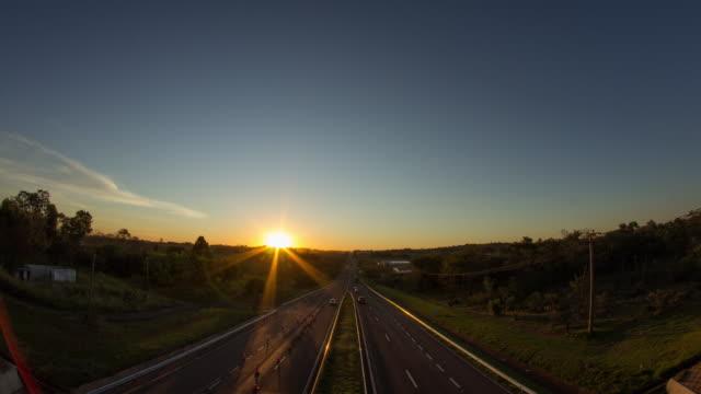 vídeos de stock, filmes e b-roll de bandeirantes highway - transition timelapse - estrada