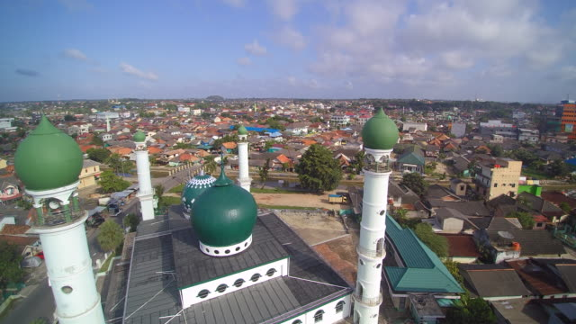 bangka mosque indonesia - indonesia street stock videos & royalty-free footage