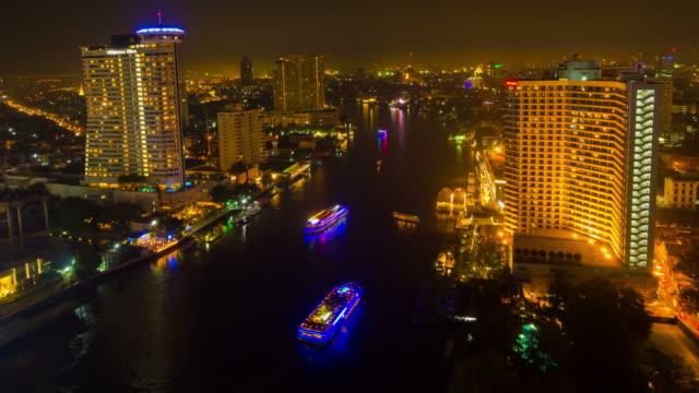 チャオプラヤー川で夜にバンコク市内 - チャオプラヤ川点の映像素材/bロール