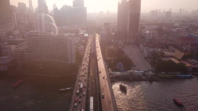bangkok stadtbild luftaufnahme am morgen - bangkok stock-videos und b-roll-filmmaterial