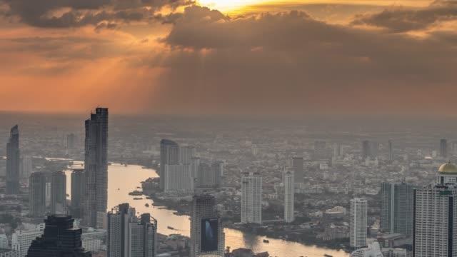 バンコクの劇的な空 - チャオプラヤ川点の映像素材/bロール