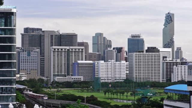 stockvideo's en b-roll-footage met bangkok. moderne groene stad - bangkok