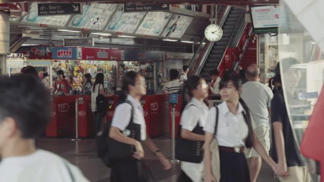 stockvideo's en b-roll-footage met bangkok subway - winkelbord