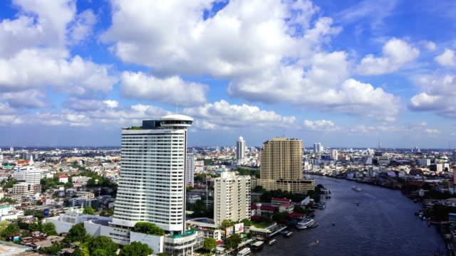 vídeos y material grabado en eventos de stock de paisaje de la ciudad de bangkok towers - golfo pérsico
