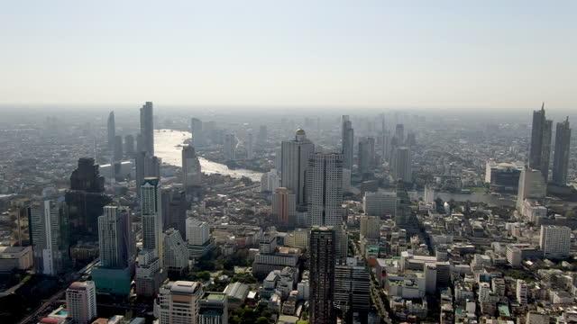 vídeos de stock e filmes b-roll de bangkok urban skyline - aerial view 4k - bangkok