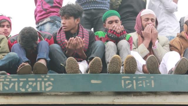 Bangladeshi Muslim devotees take part in Akheri Munajat the final prayers at the World Muslim Congregation Biswa Ijtema at Tongi north of Dhaka...