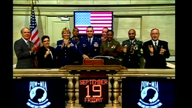 vidéos et rushes de us rescue package/ markets rally usa new york nyse int closing bell on new york stock exchange above date showing september 19 - tous types de crises