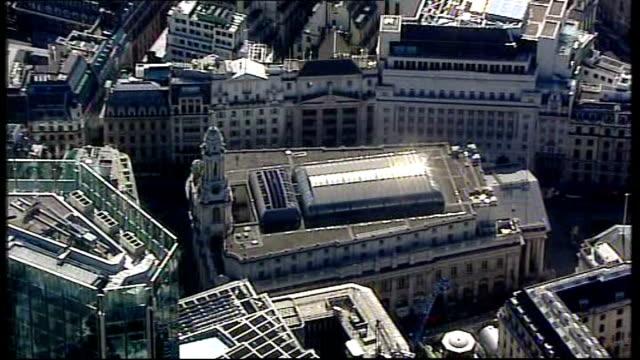 bank of england cuts interest rates by 15 per cent bbc bank of england - バンク オブ イングランド点の映像素材/bロール