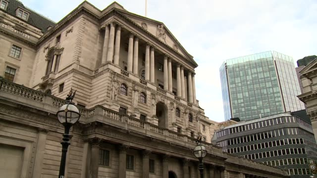 bank of england in london - double decker bus stock videos & royalty-free footage
