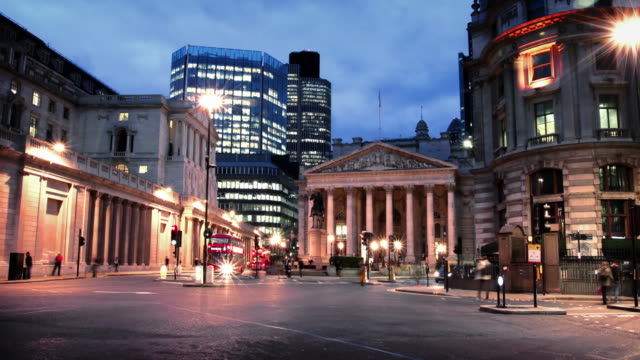 bank of england london - bank stock videos & royalty-free footage