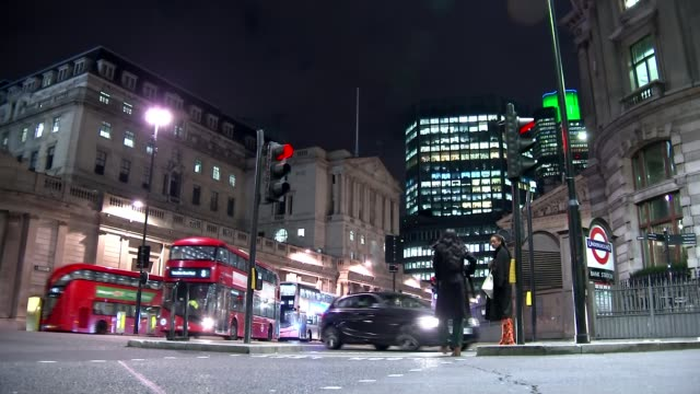 Bank of England raises interest rates for first time in a decade R120917002 / London Bank Various shots Bank of England buildings at night