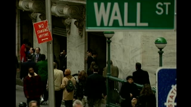 central banks attempt to ease credit crisis tx general views of wall street and wall street station - krise stock-videos und b-roll-filmmaterial