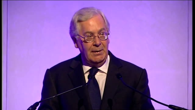 Gordon Brown refuses to back Governor of Bank of England proposal to split banks ENGLAND London INT Mervyn King press conference SOT To paraphrase a...