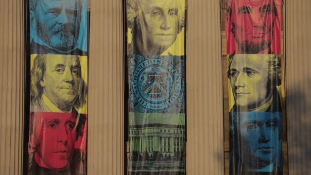 banners with pictures of us historical figures including ulysses grant george washington abraham lincoln benjamin franklin alexander hamilton and... - benjamin franklin video stock e b–roll