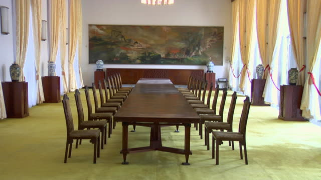 zo banquet hall at reunification palace, formerly independence palace / ho chi minh city, vietnam - matrum bildbanksvideor och videomaterial från bakom kulisserna