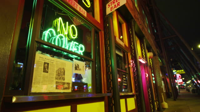 bar neon at night - bar video stock e b–roll