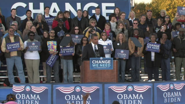 vídeos de stock e filmes b-roll de barack obama democratic candidate for us president speaking and praising governor tim kaine during rally in ida lee park on october 22 2008 /... - fato completo