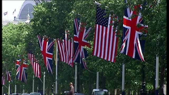 last minute preparations at buckingham palace general views of the mall lined with union flags and american stars and stripes flags / various of... - union army stock videos & royalty-free footage